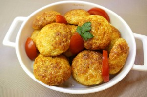 Chiftelute din conopida la cuptor cu parmezan si mozzarella