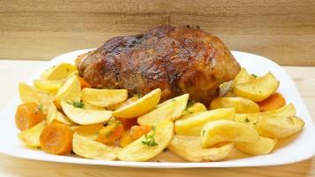 Pulpa de porc la cuptor cu legume, friptura in oala de fonta