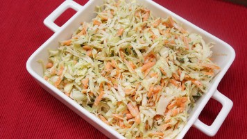 Salata de varza dulce cu morcov si telina