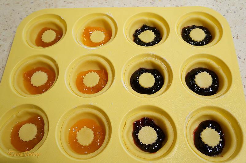 Mini tarte fragede cu gem