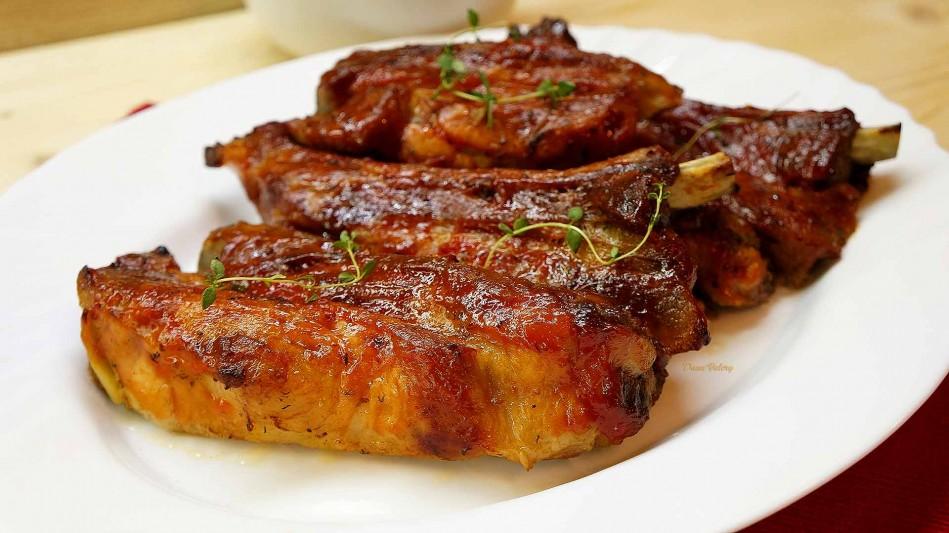 Coaste de porc marinate in bere la cuptor