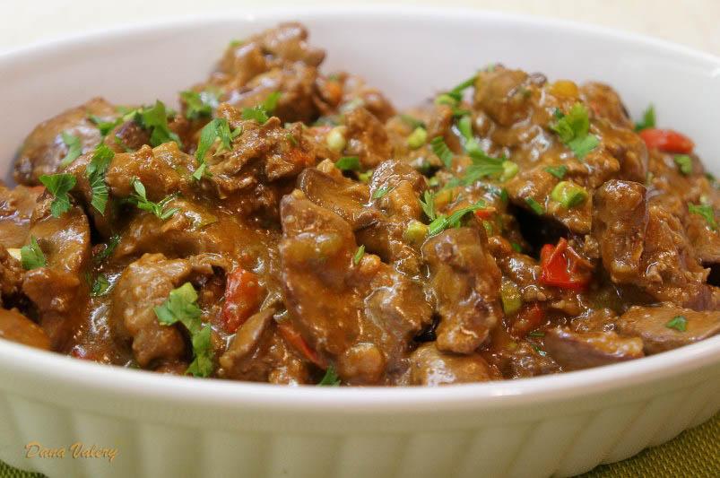 Ficatel de pui in sos de ceapa si cartofi copti in punga pentru friptura la cuptor