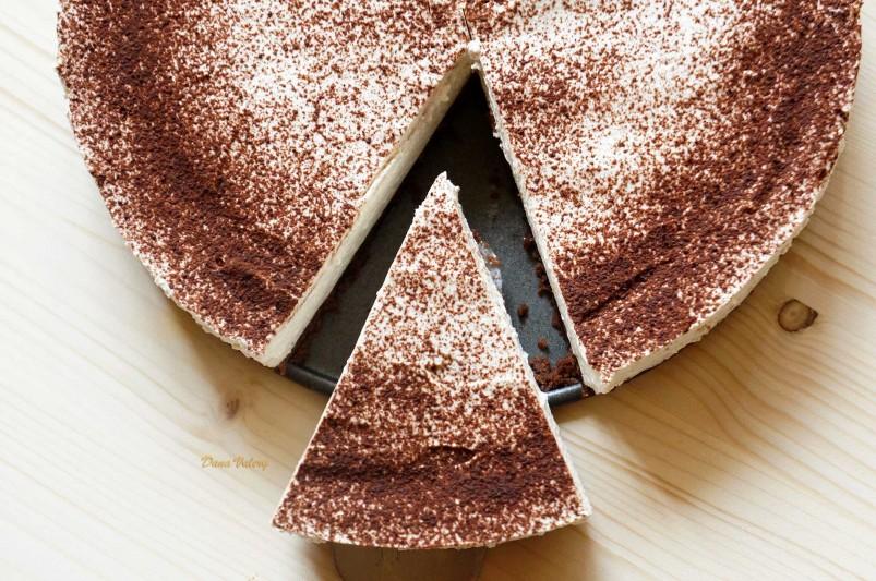 Tort fara coacere cu crema mascarpone si cafea