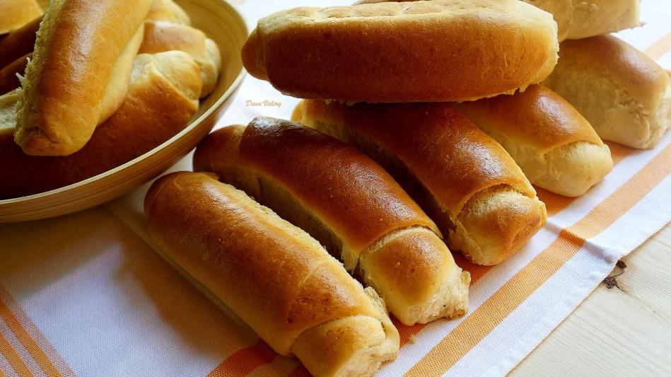 Cornuri pufoase pentru hotdog